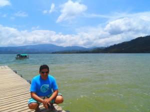 Al borde de la Laguna Azul